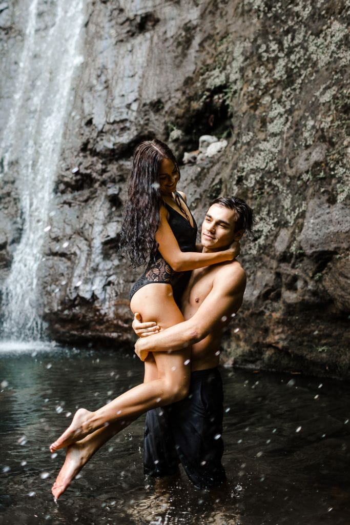Beach & Waterfall Couples Inspiration at Oahu, HI | Anna & Peter
