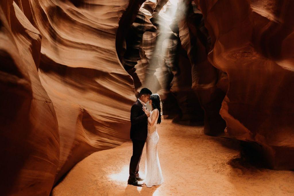 antelope canyon horseshoe bend arizona engagement adventure session