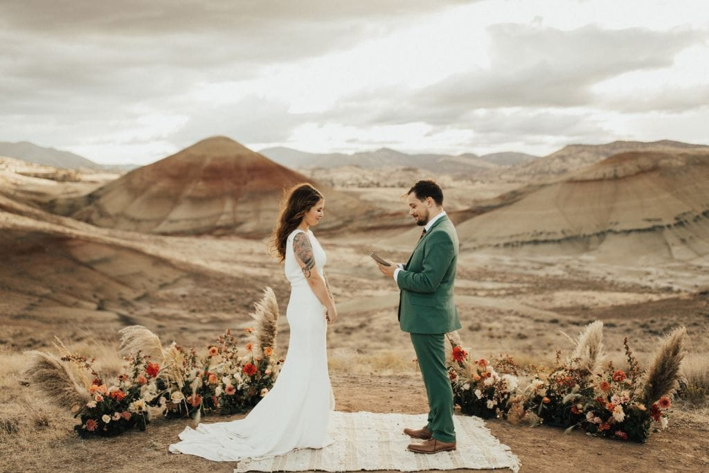 painted hils oregon pnw elopement adventure wedding