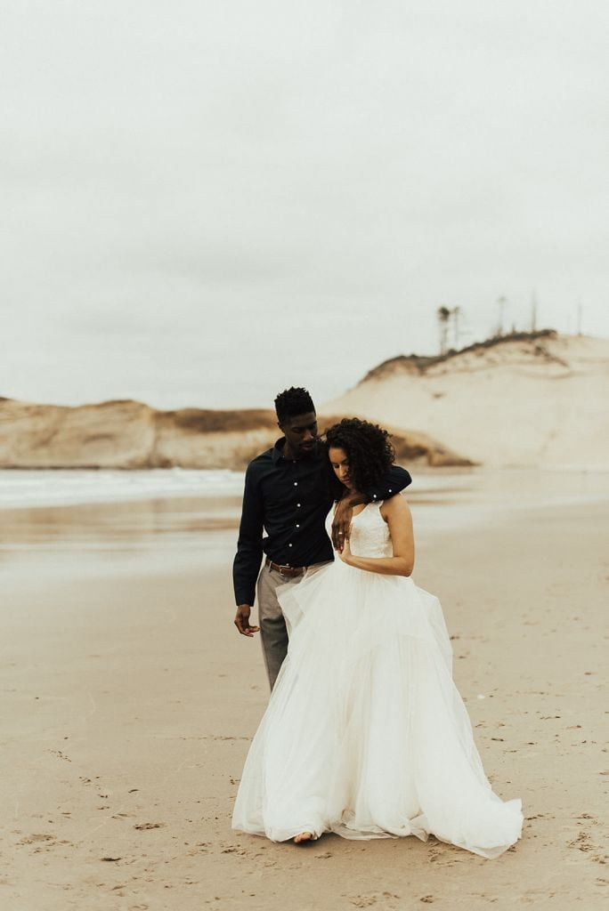 pnw elopement wedding kiwanda beach oregon