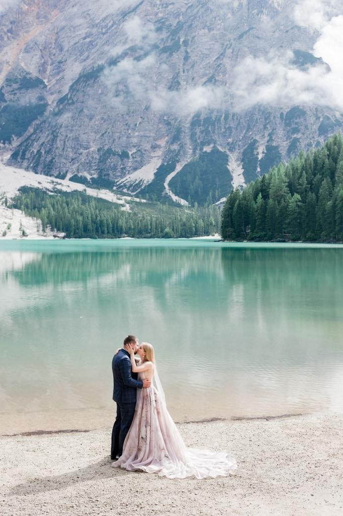 lago di braies pragser wildsee south tyrol italy elopement mountain wedding