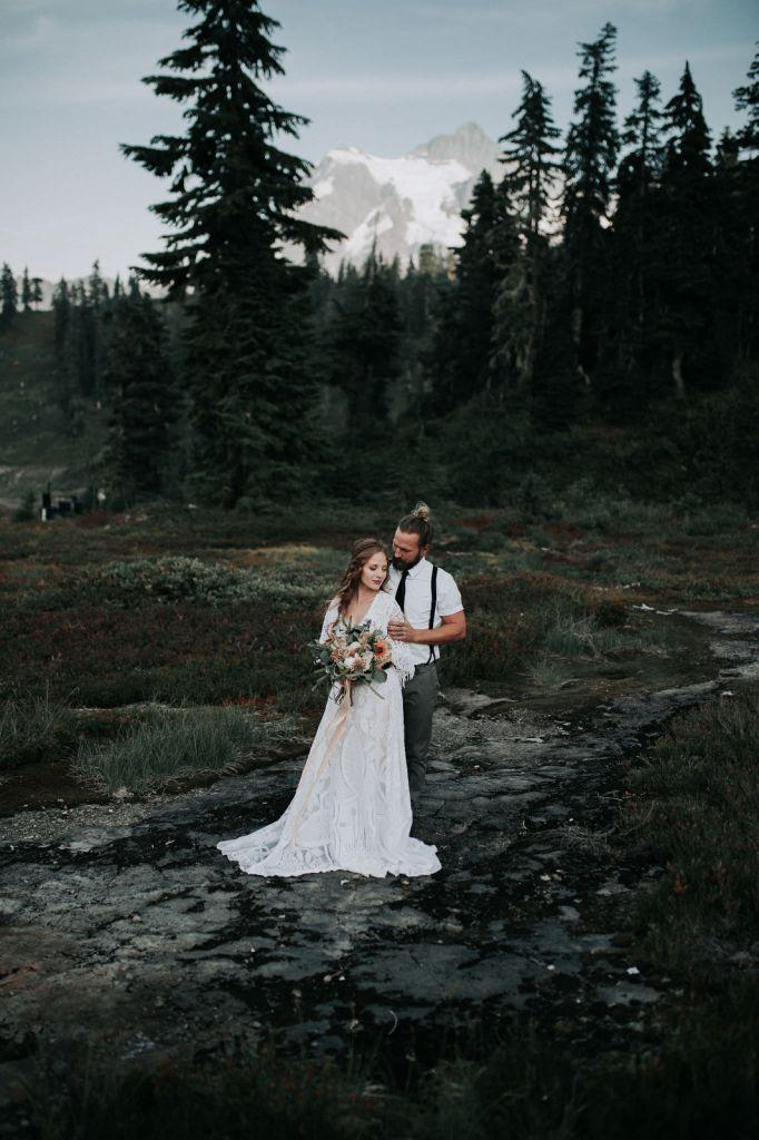 artist point mount baker washington boho pnw mountain elopement adventurous wedding