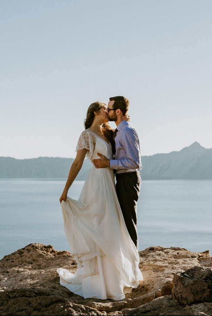 crater lake national park oregon mountain elopement wedding