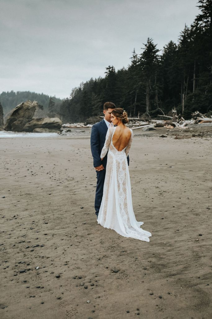 intimate boho elopement pnw wedding olympic national park washington