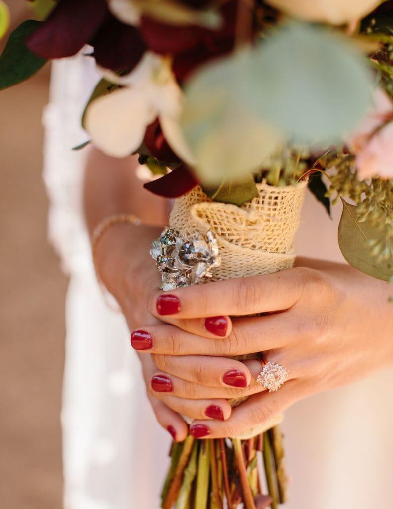 bouquet details bride