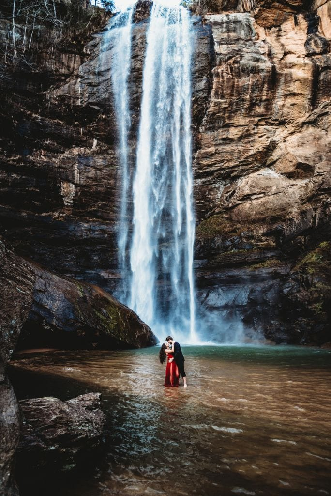 toccoa falls georgia waterfall engagement
