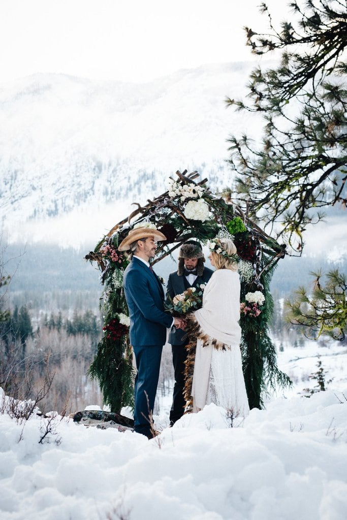 Snowy, Intimate Mountain Elopement in Winthrop, WA