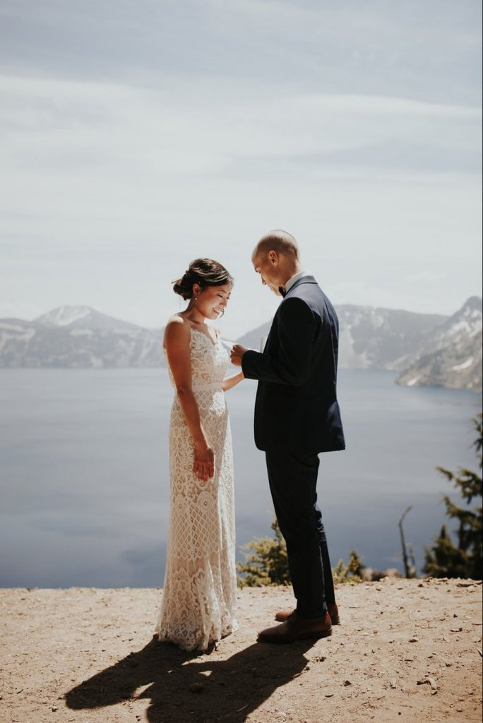 crater lake national park oregon adventure elopement wedding