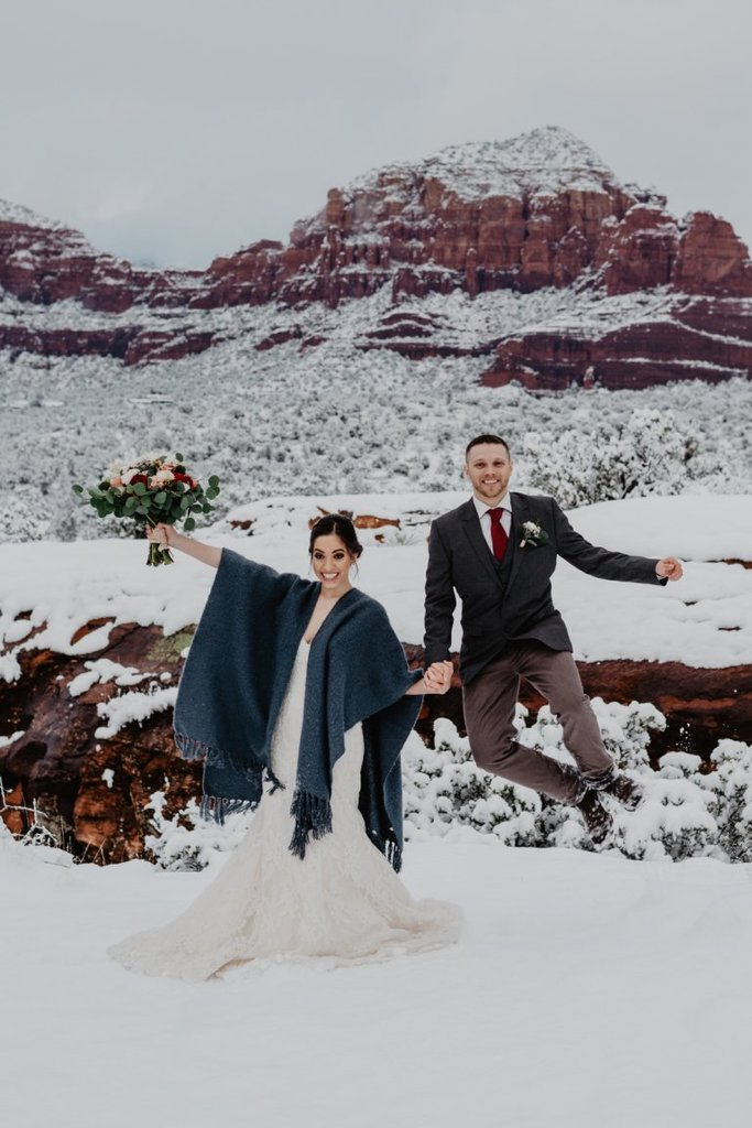 sedona northern arizona winter elopement wedding adventure session