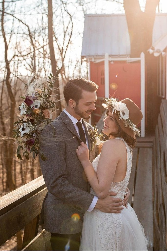 Intimate Treehouse Elopement Inspiration near Greer, Ohio