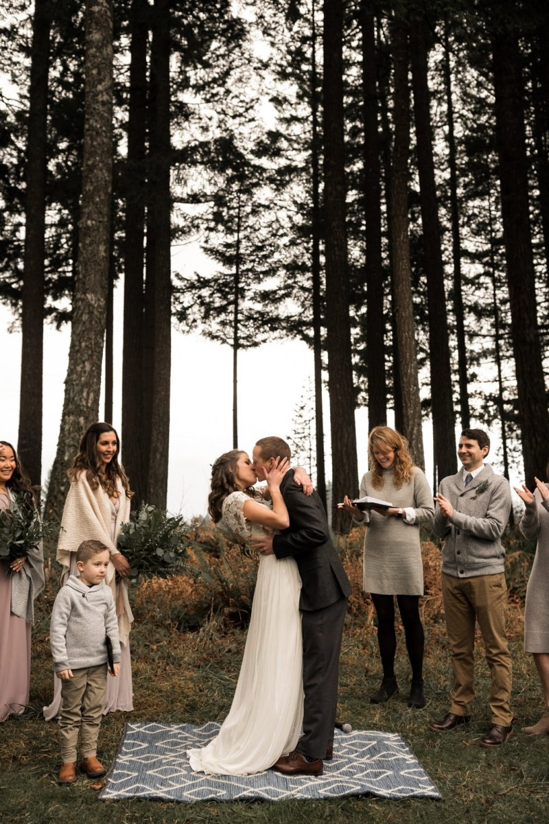 columbia river gorge washington wedding pnw adventure elopement