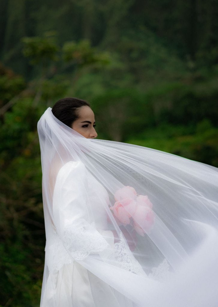 bridal portraits for Hawaii wedding.
