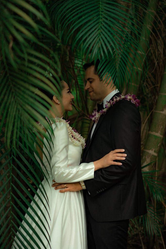 Gorgeous Green Mountain Elopement on the Island of O'ahu, Hawaii