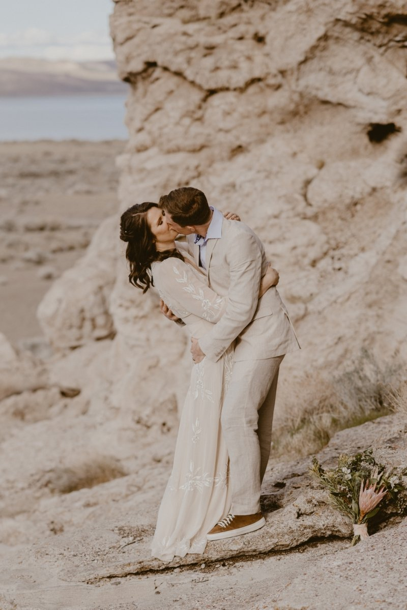 pyramid lake nevada elopement wedding