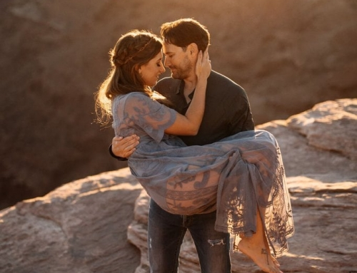 Captivating Sunset Engagement Session in Moab, Utah