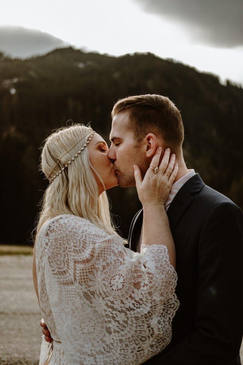lago di braies dolomites adventure elopement mountain wedding