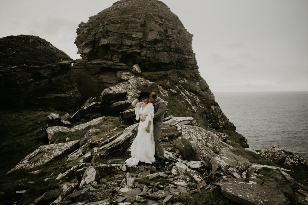 boho elopement wedding adventure in Ireland.