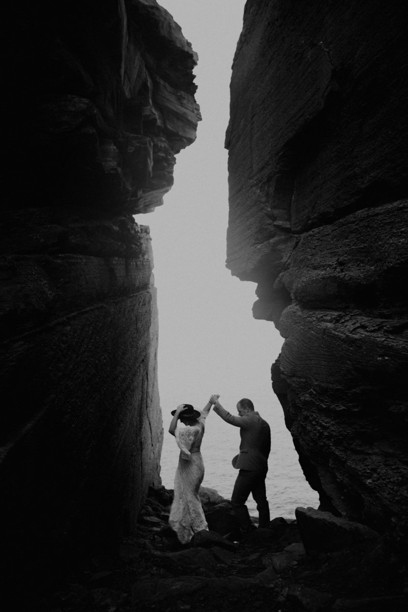 elopement photography at cliffs of Moher.