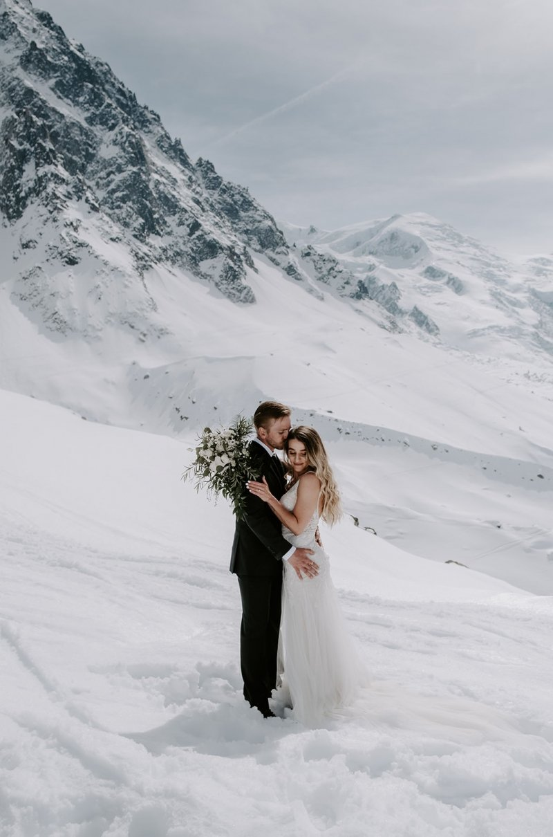 bride photography in the snowy mountain of France.