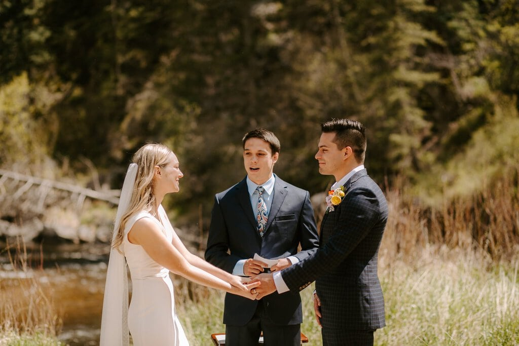 Intimate wedding ceremony at sleepy hollow park in Colorado