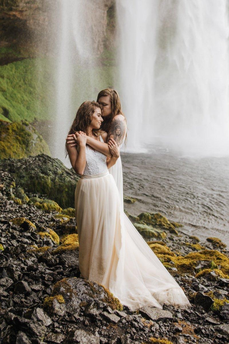 Adventure elopement in Iceland.