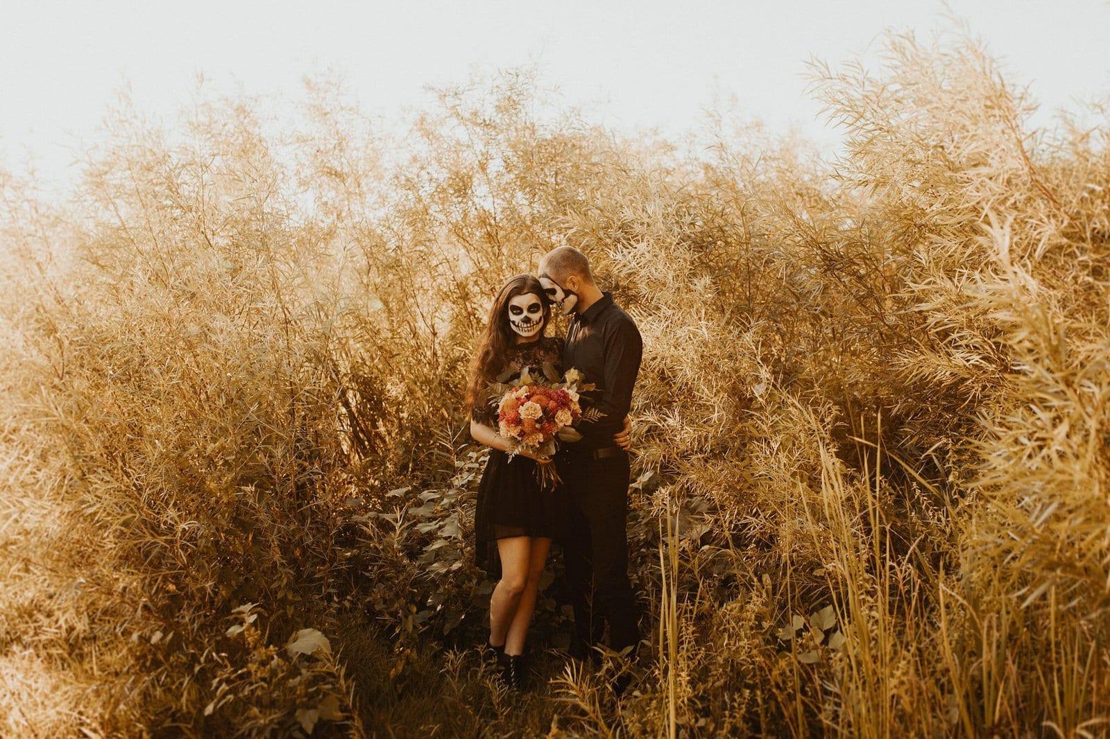 Halloween couple photography.
