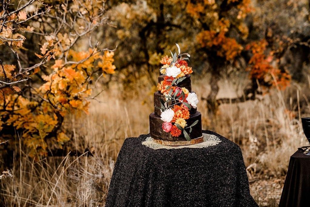 Halloween wedding cake inspiration.