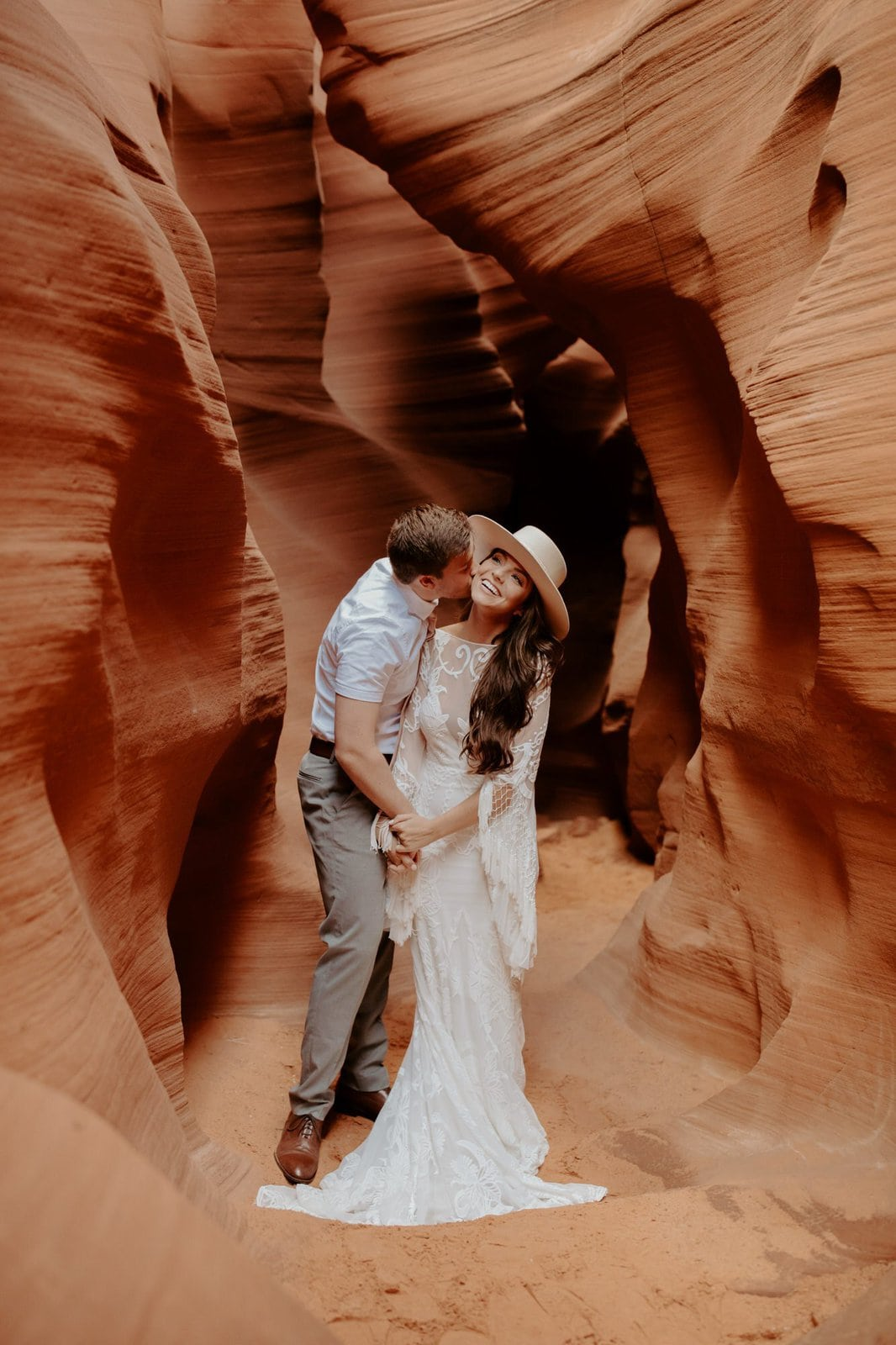 bride and groom at antelope canyon.