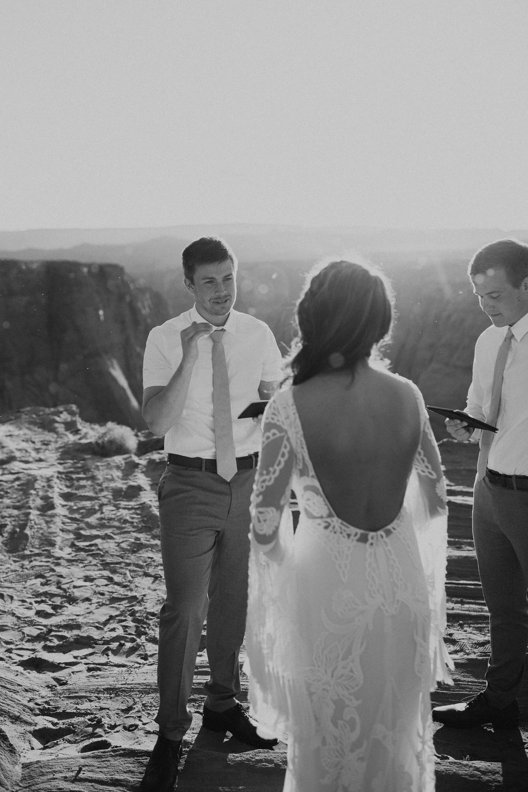 groom exchanging vows in Horseshoe Bend.