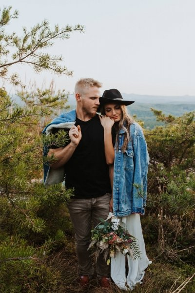engagement inspiration photography with denim.