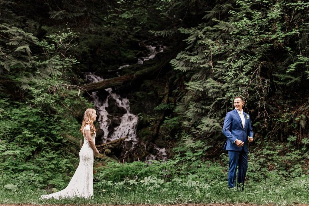 Mount Rainier first look between bride and groom.