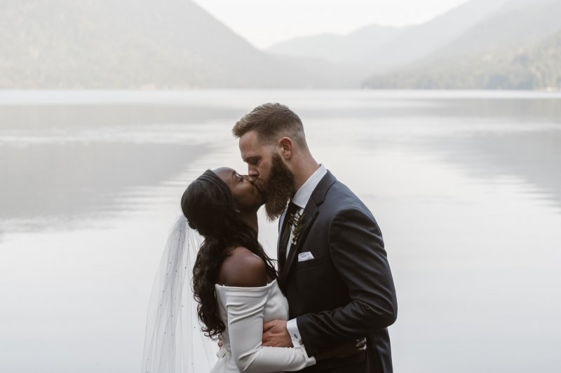 First kiss as husband and wife.