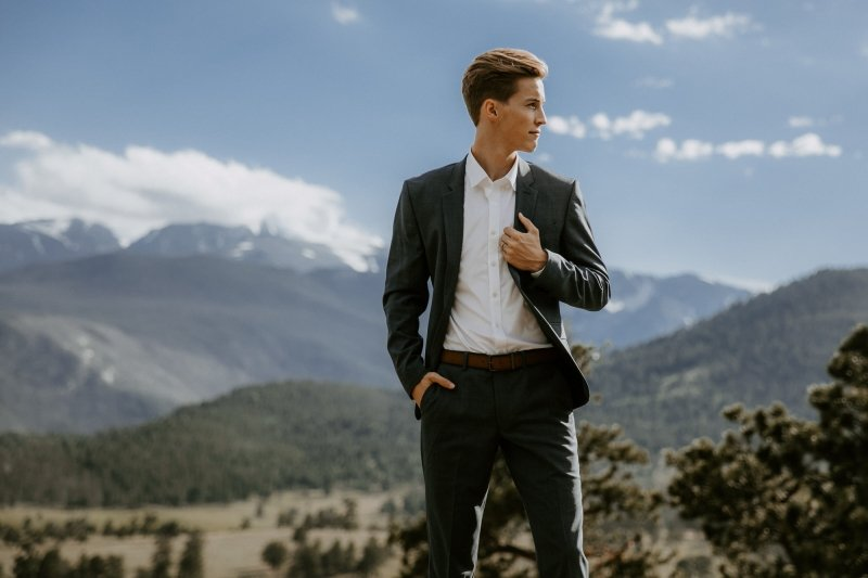 Groom portrait at the Rocky Mountain National Park.