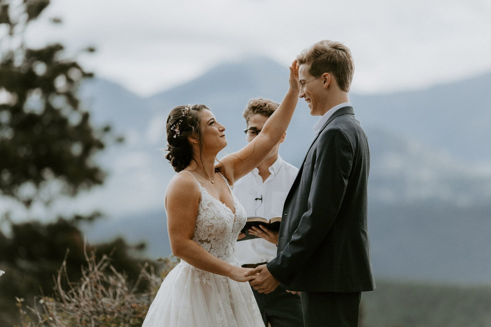 intimate wedding at Rocky Mountain National Park.