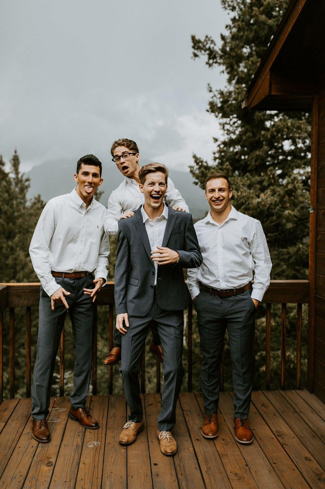 groom and groomsmen photography.