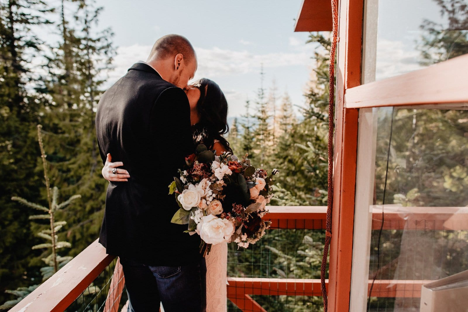 cozy and simple elopement in Idaho.