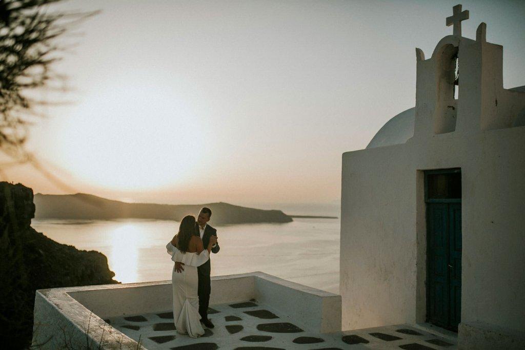Elopement first dance in Santorini.