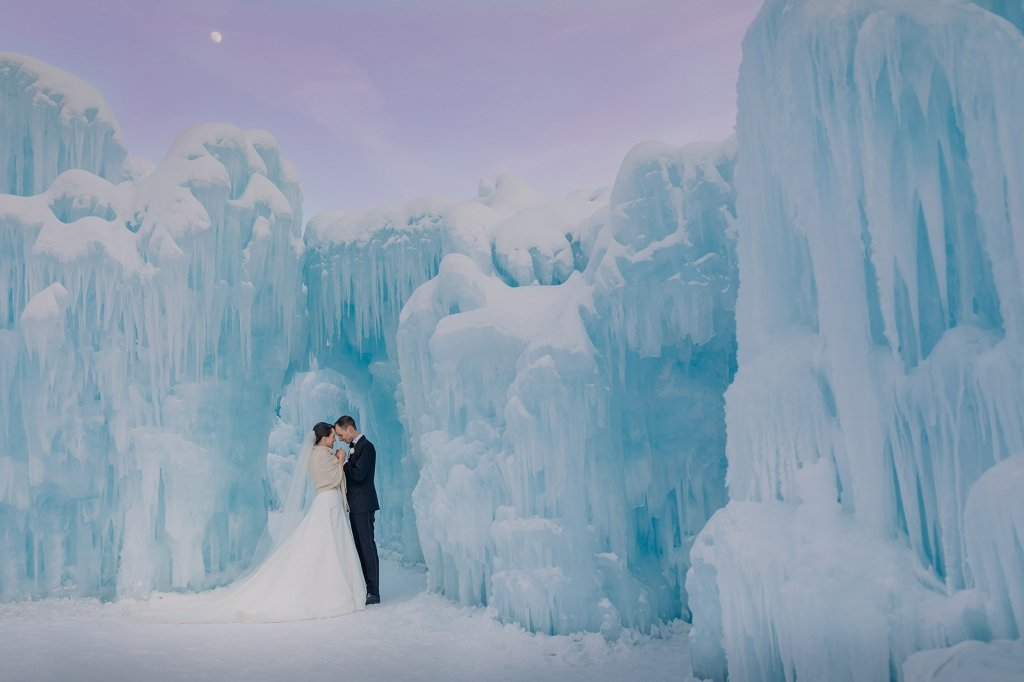 ice castle for winter wedding photo.