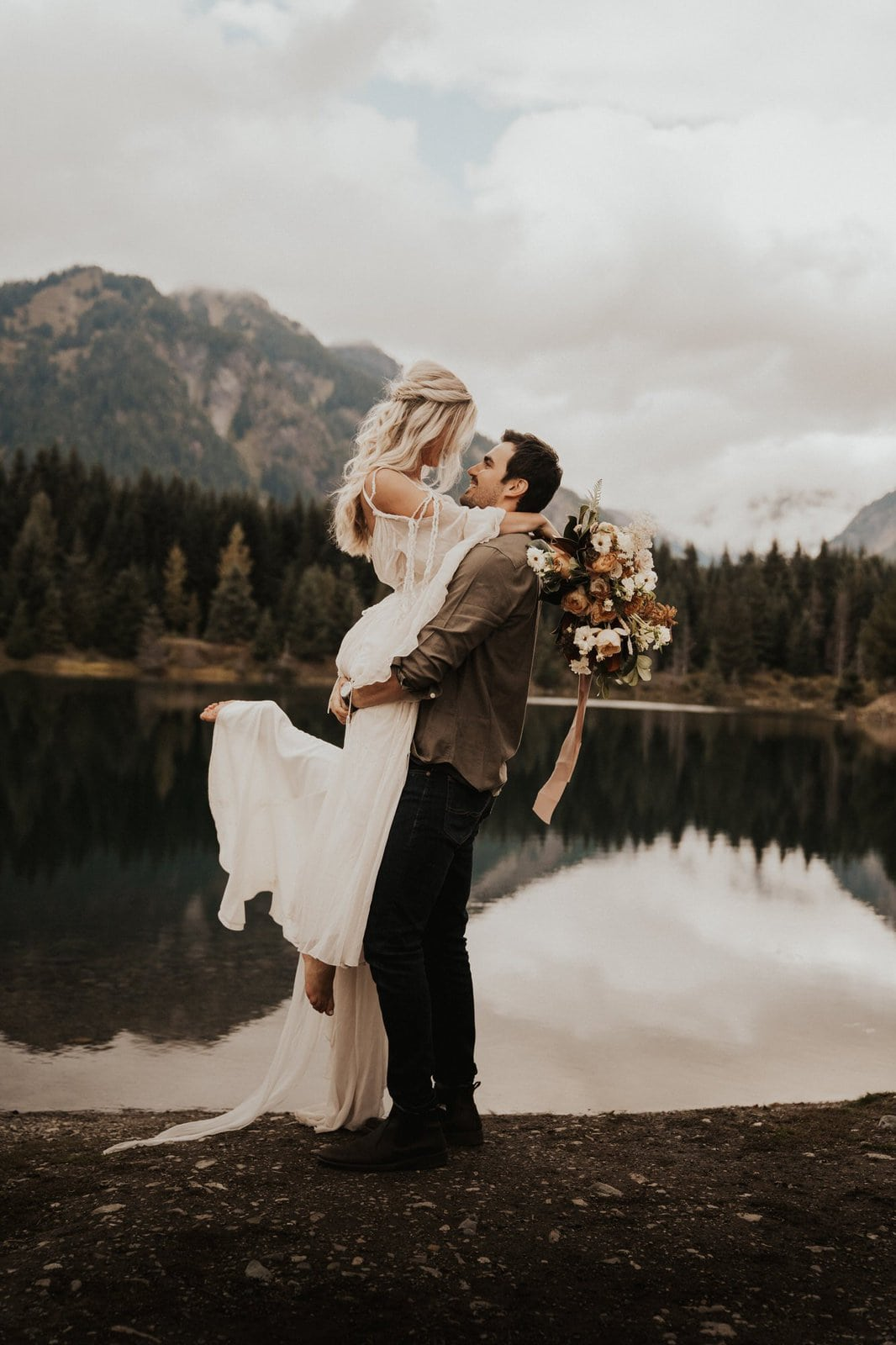 bohemian wedding portrait ideas for couples.