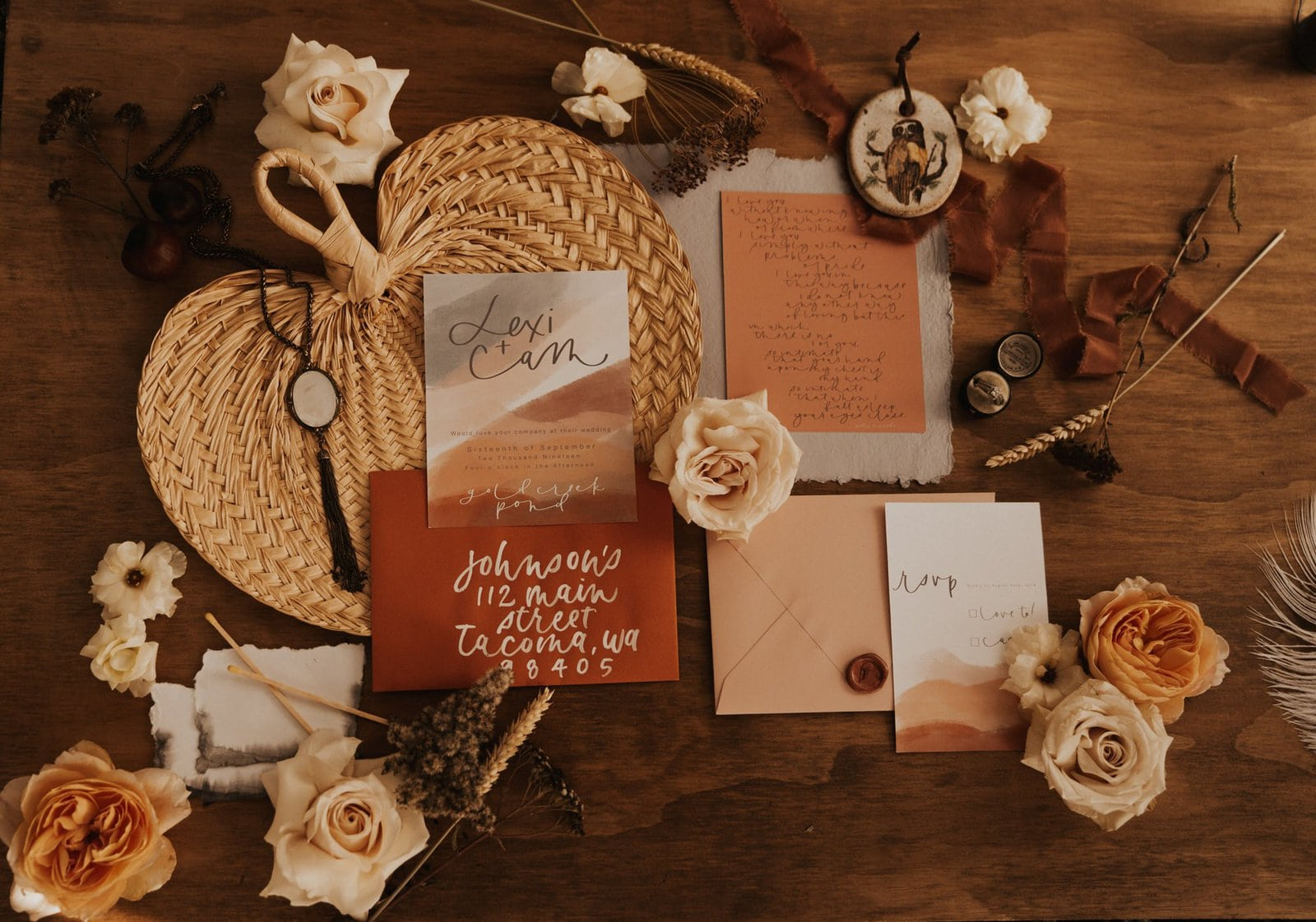 boho elopement detail shot.