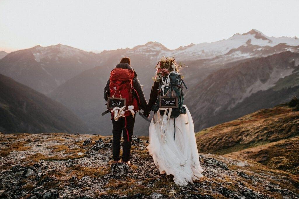 Washington elopement photography of couple