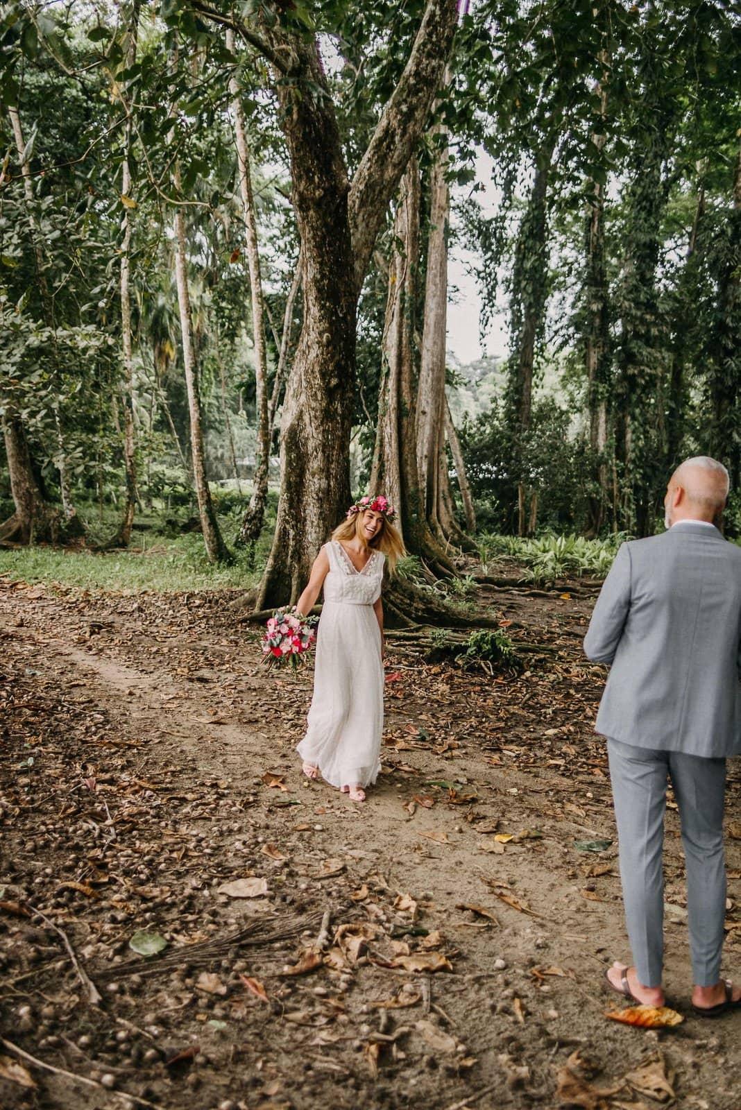Costa Rica elopement pictures.