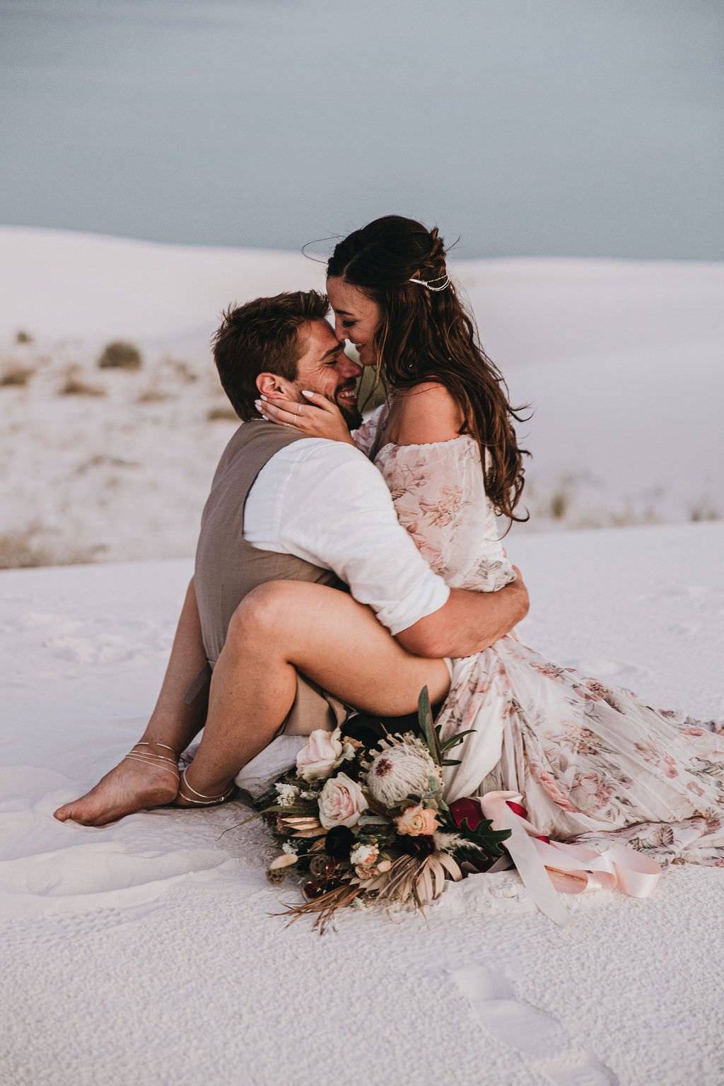 elopement portraits in desert