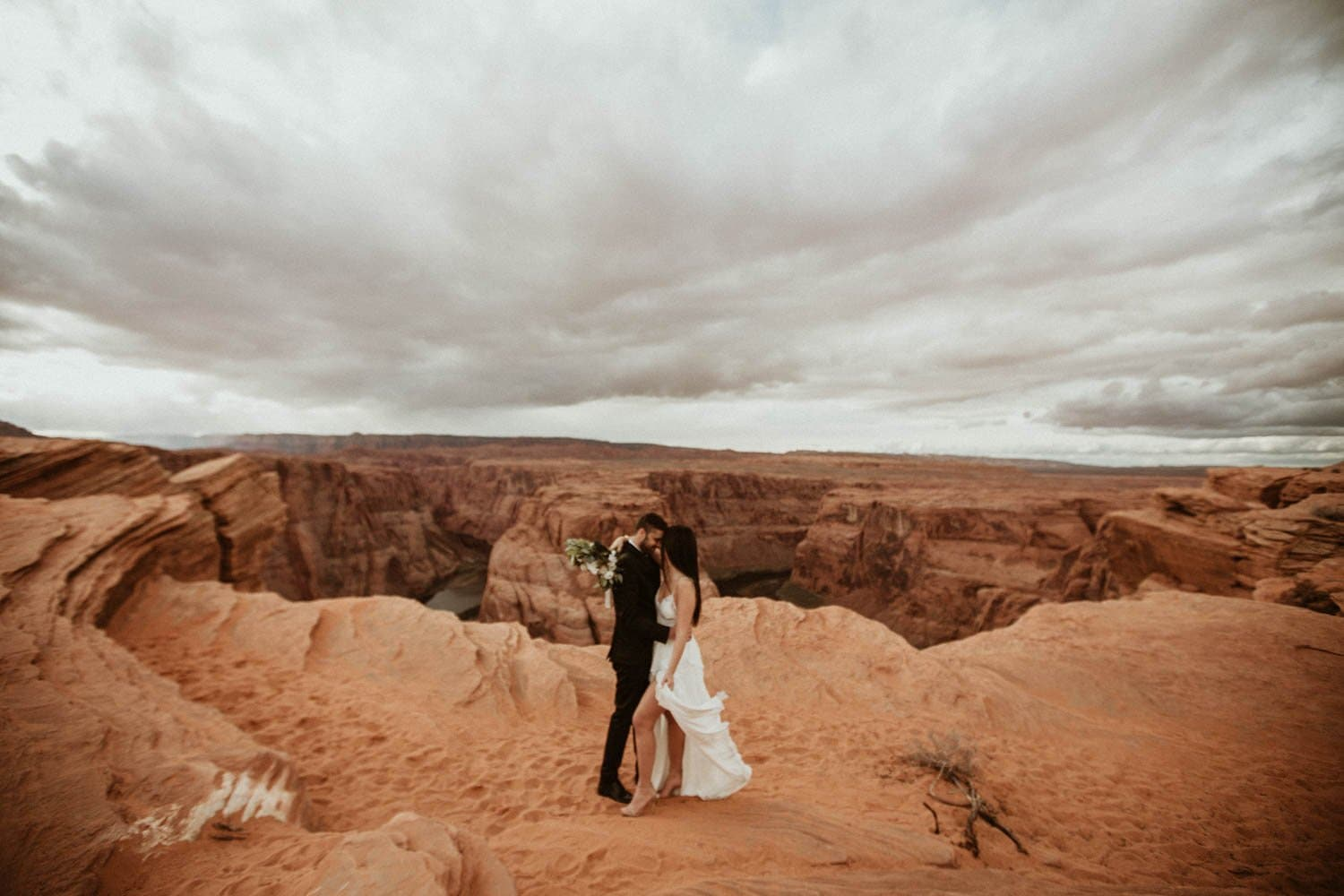 bride and groom portraits at horseshoe bend
