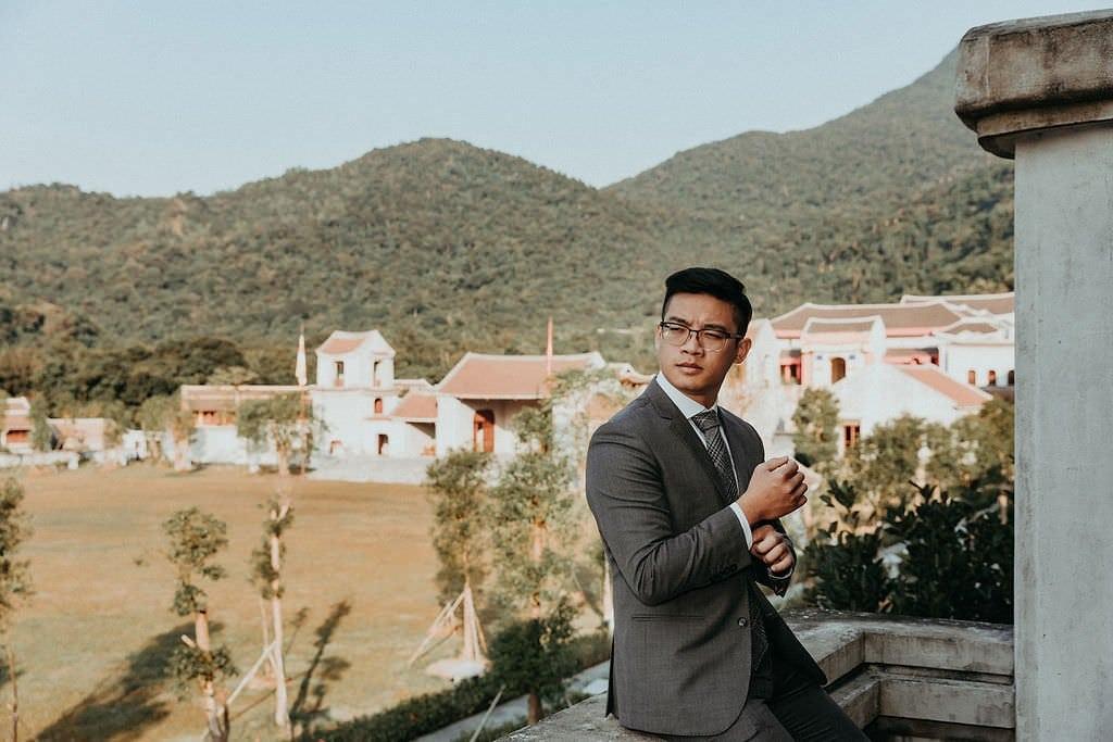 groom portraits in Vietnam.