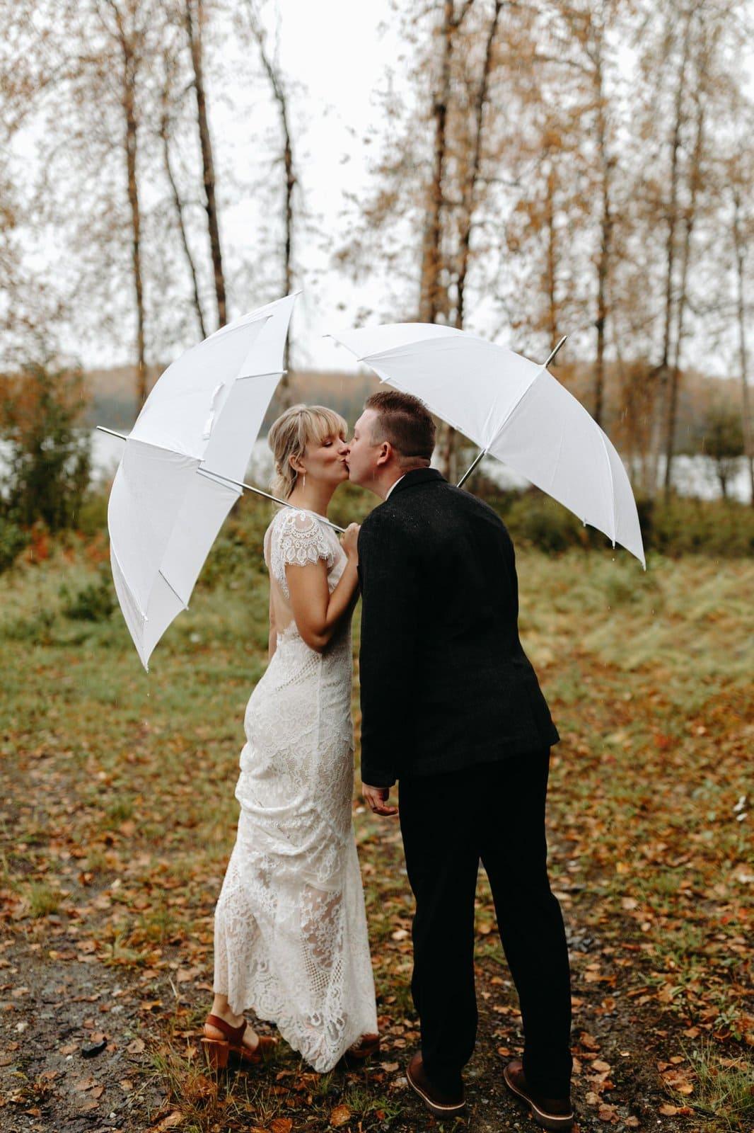 rainy Alaska elopement