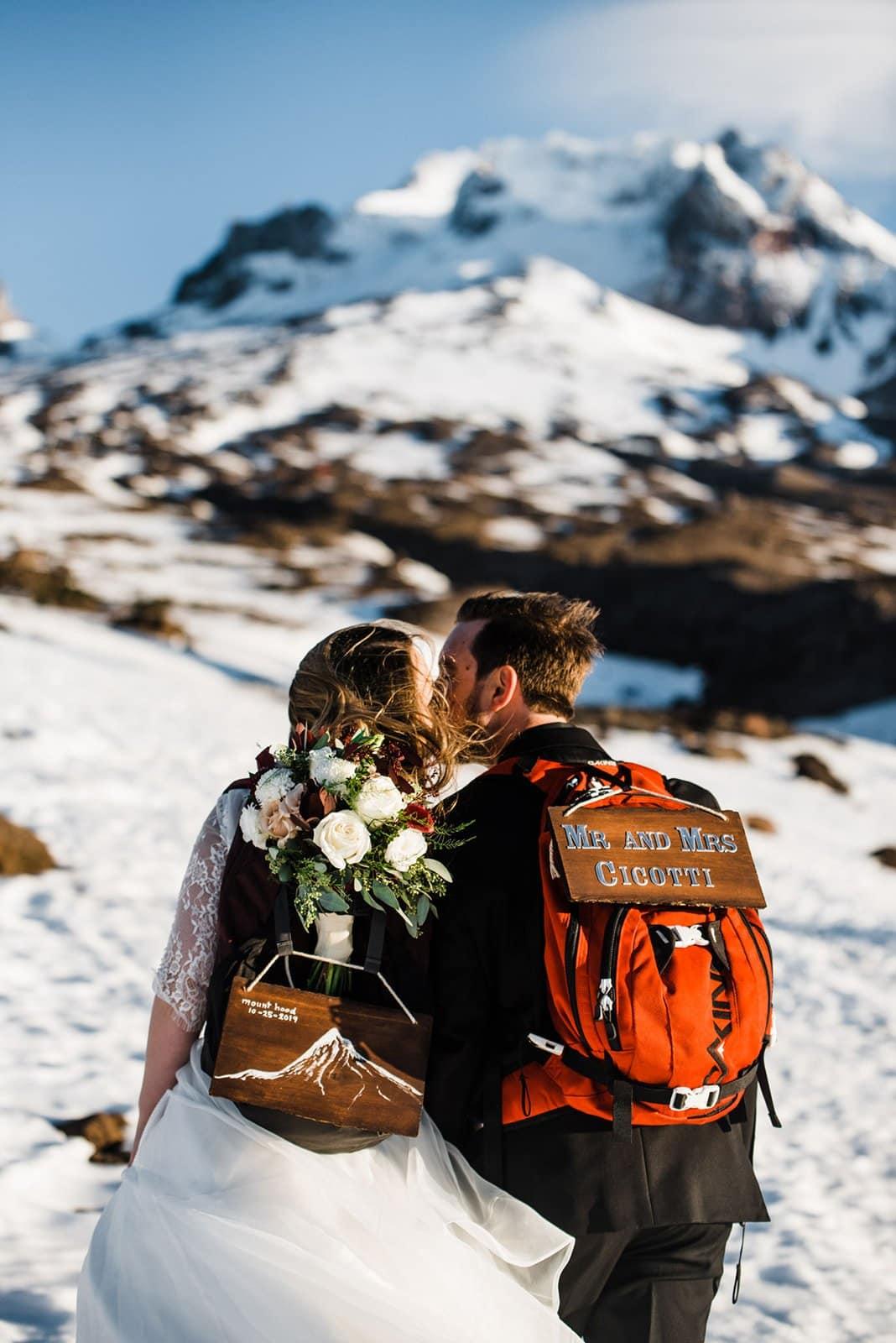 mountain elopement kiss