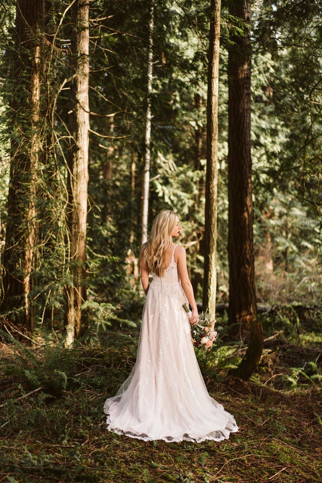 essense bridal designer