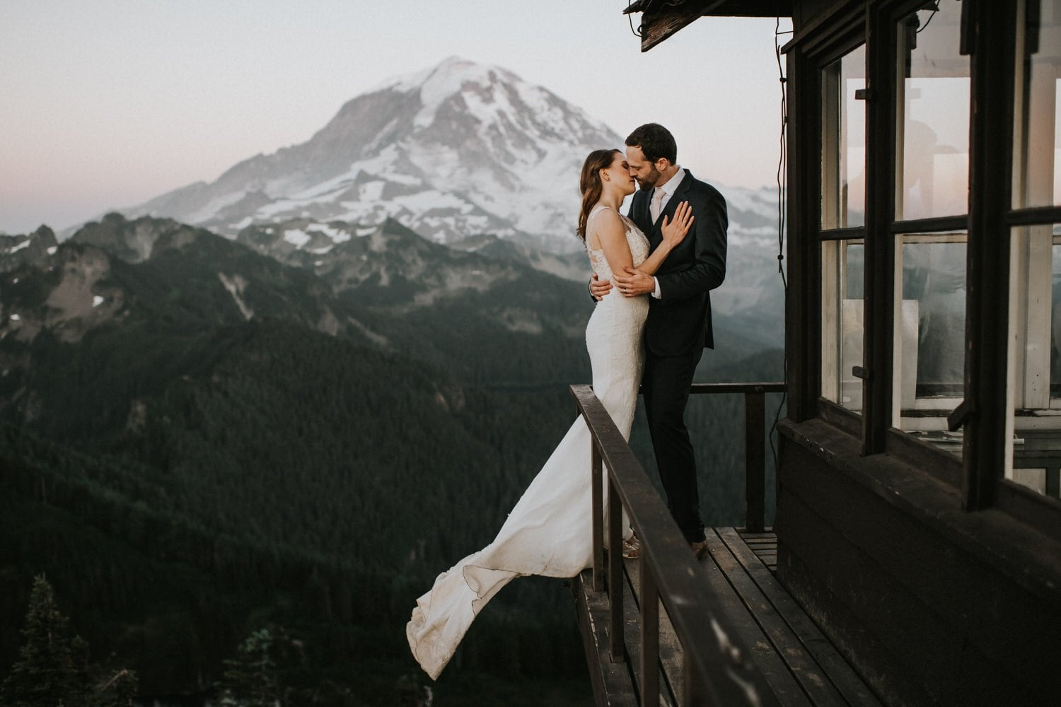 washington elopement packages best places to elope at mount rainier
