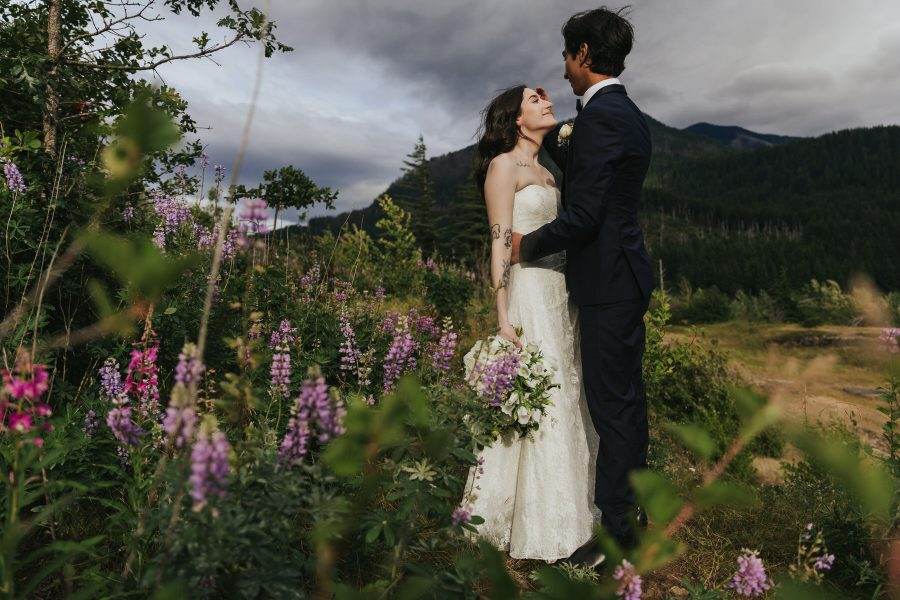 Sophie & Keven during their Columbia River Gorge Elopement